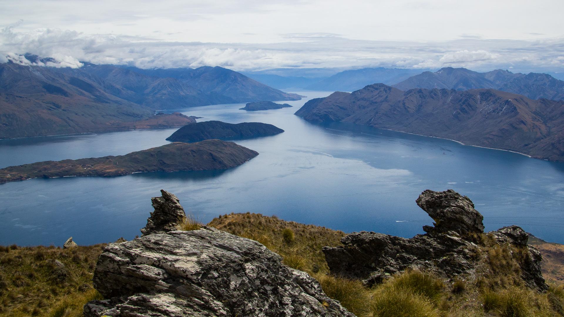 Lake-Wanaka-from-Roys-Peak